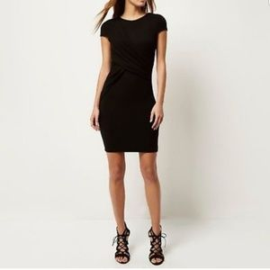 Sz 12. Black Ruched Bodycon Dress, knee-length.